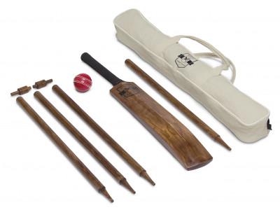 Retro Wooden Backyard Cricket Set